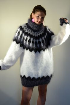 Brand new Icelandic mohair turtleneck sweater white- One size Nordic Pullover, Nordic Sweater, Mohair Sweater, Thick Sweaters, Winter Sweaters, Wool Sweaters, Sweaters For Women, Gros Pull Mohair, Pullover Outfit