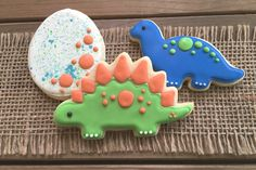 Dinosaur Cookies // Dinosaur Party Favors // by GuiltyConfections Dinosaur Cupcakes, Dinosaur Party Favors, Dinosaur Birthday Party, 3rd Birthday, Dinosaur Decorations, Dinosaur Dinosaur, Birthday Ideas, Iced Cookies, Cupcake Cookies