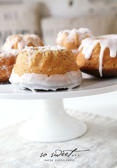 ♥ white bundt cakes