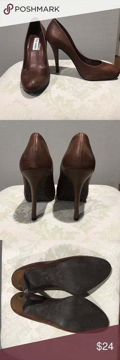 Size 8 Steve Madden Brown heels Steve Madden brown pumps with heel. Signs of wear shown around toes. Very comfortable! Steve Madden Shoes Heels