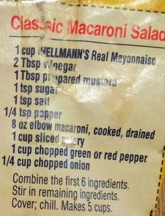 Classic Macaroni salad - also add sliced black olives, hard boiled eggs, cucumbers and tomatoes. A little celery salt, dill, and paprika for color and voila! Side Dish Recipes, Pasta Recipes, Great Recipes, Cooking Recipes, Favorite Recipes, Salad Bar, Soup And Salad, Pasta Dishes, Food Dishes