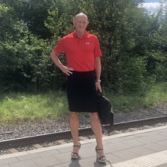 Men In Heels, High Heels, Girly Man, Men Wearing Skirts, Kilts, Real Men, Crossdressers, Going Out, Feminine