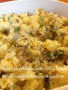 Addicted to Recipes: Mashed New Potatoes with Basil and Mustard Cooking Recipes, Healthy Recipes, Potato Dishes, Meals For The Week, Vegetable Dishes, Basil, Food To Make, Mustard, Side Dishes