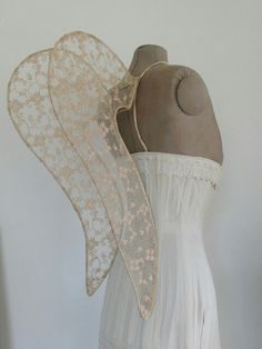 Angel wings using a wire frame