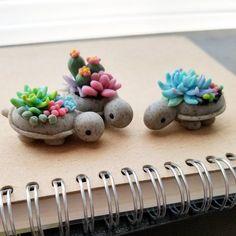 296 отметок «Нравится», 13 комментариев — Janice / Willy (@claybiecharms) в Instagram: «We really love how these turtles turned out with the granite clay. »
