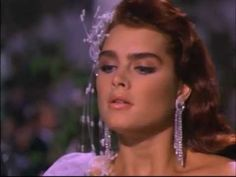 Very Sexy BRENDA STARR (Brooke Shields) HOT!!!