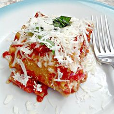 Everyday is a Holiday: Plum Tomato & Basil Lasagna Roll Ups Paella, Vegetarian Recipes, Cooking Recipes, Cooking Time, Pasta Recipes, Dinner Recipes, Easy Tomato Sauce, Lasagna Rolls, Eating Light