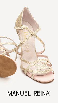 8d1df010 ... #ElArmarioDeMiVida #ZapatosUnicos #AnitaPearl #ZapatosReina  #LaReinaDeMiArmario #musthave #dance #dancers #danceshoes #sandalias  #custom #ilovedance ...