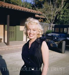 Marilyn Monroe arrives at Greenacres iln 1953 to shoot a Coca-cola ad.  Photo by Harold Lloyd.