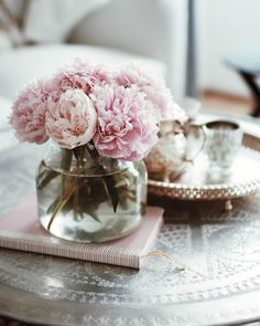 Peonies Peonies, Table Decorations, Instagram, Home Decor, Room Decor, Home Interior Design, Home Decoration, Interior Decorating, Center Pieces