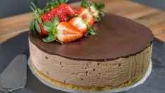 Τούρτα σοκολατίνα Χωρίς Ζάχαρη και χωρίς ψήσιμο! Ιδανική για τις ζεστές μέρες του καλοκαιριού που μπορείς να απολαύσεις με πιο λίγες Θερμίδες λόγω οτι δεν έχει ζάχαρη!! Ιδανική και για αυτούς που έχουν πρόβλημα Υγείας και δεν τρώνε ζάχαρη!!! Chocolate Sweets, Cheesecake, Desserts, Food, Tailgate Desserts, Deserts, Cheesecakes, Essen, Postres