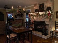 Primitive Colonial Keeping Room at Christmas