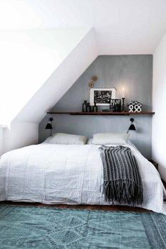 Cozy Attic Loft Bedroom Design & Decor Ideas - Page 28 of 37 Attic Loft, Loft Room, Attic Rooms, Bedroom Loft, Home Bedroom, Bedroom Decor, Bed Room, Bedroom Rustic, Bedroom Ideas