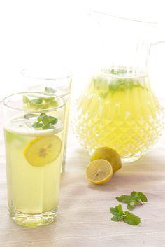 Limonana - Lemonade with Mint by MasalaHerb, via Flickr