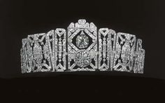 cool Art Deco tiara of Doreen, Lady Brabourne, 1925. A series of diamond-set geometri...