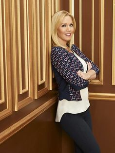 Jennie Garth looks so pretty! We can't wait to see her as Charlie in #MysteryGirls!
