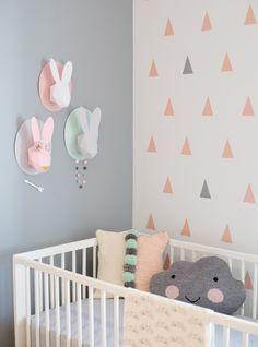 Idée n°8 : la tendance pastel.  23 idées déco pour la chambre bébé >> http://www.homelisty.com/23-idees-deco-pour-la-chambre-bebe/