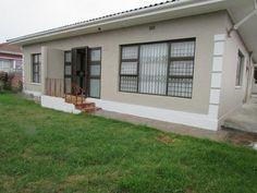 Houses & Flats for Sale in Parow - Search Gumtree South Africa for your dream home in Parow today! Gumtree South Africa, Granny Flat, Flats For Sale, Property For Sale, Home And Family, Churchill, Outdoor Decor, House, Home Decor