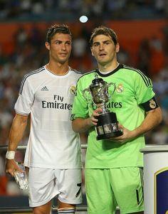 Cristiano and Casillas Real Madrid Football Club, Real Madrid Players, Best Football Team, Real Madrid Manchester United, Sun Life Stadium, International Champions Cup, Ronaldo Photos, Legends Football, Soccer
