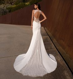 Pronovias |  Exude your feminine energy in this minimalist-style crepe gown with keyhole back! Crepe Wedding Dress, Wedding Dresses, Feminine Energy, Dream Dress, Minimalist Fashion, Gowns, Bridal, Style, Bride Dresses