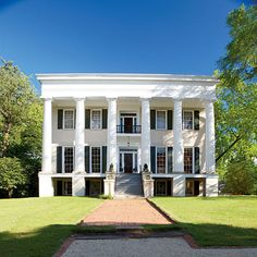 Running from Macon to Athens, Georgia's Antebellum Trail shows off many of the sites that General Sherman spared, and they're part of this month's spring pilgrimage Southern Homes, Southern Living, Southern Style, Southern Charm, Simply Southern, The Places Youll Go, Great Places, Places To Go, Southern Architecture