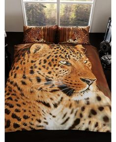 This stunning 3D Leopard Double Duvet Cover is made from a polycotton blend and is reversible too.