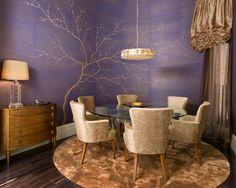 mesa redonda y butaca tapizada y con brazo... no hay quien eche a los invitados!!!!www.roomyshowroom.blogspot.com