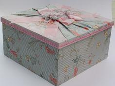 Caixa de Mdf forrada em tecido.