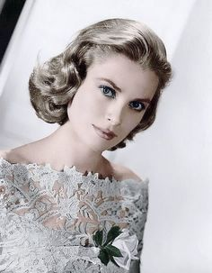 Grace Kelly, as a starlet. Hollywood Icons, Hollywood Glamour, Hollywood Stars, Hollywood Actresses, Charlotte Casiraghi, Andrea Casiraghi, Princesa Grace Kelly, Photo Glamour, Albert Von Monaco