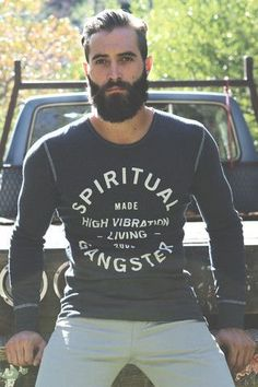 Bearded man with a proper fitted tshirt ⋆ Men's Fashion Blog - #TheUnstitchd