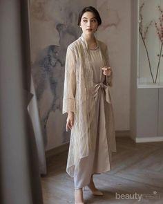 Kebaya Hijab, Kebaya Dress, Hijab Dress, Hijab Outfit, Dress Outfits, Dress Up, Dress Muslim Modern, Kebaya Modern Dress, Batik Fashion