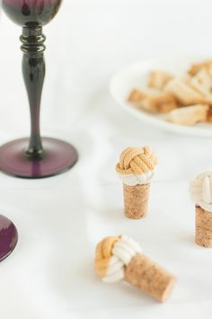 DIY: rope cork stoppers