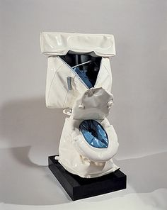 Audio guide stop for Claes Oldenburg, Soft Toilet, 1966 l Pop art l Arts l Sculpture soft Roy Lichtenstein, Andy Warhol, Claes Oldenburg Sculptures, Damian Ortega, New York City Museums, Museum Ludwig, Guggenheim Bilbao, Neo Dada, Whitney Museum