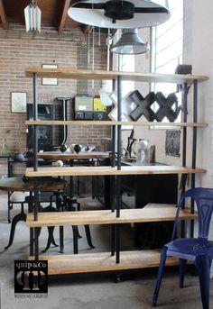 Open industriële boekenkast met mango hout en ijzer