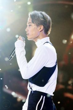 Kai - 161101 SBS Power FM 20th Anniversary Concert Credit: KNK. (SBS 파워FM 20주년 콘서트)