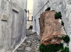 Volax village is one of the oldest medieval settlements of Tinos The Places Youll Go, Places Ive Been, Places To Go, Tinos Greece, Extra Holidays, Archipelago, Tudor, Architecture Details, Enchanted