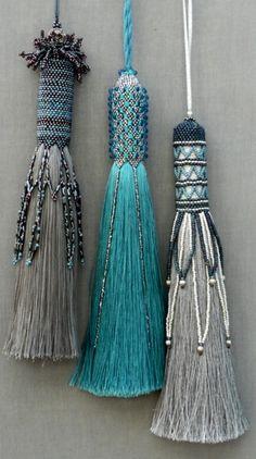 Silk Tassels. à faire plutôt avec du tissu du ruban. Pour des rideaux neutres.