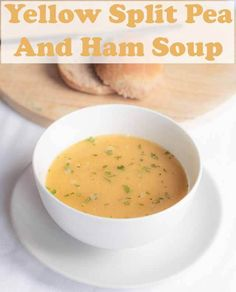 This delicious, rich tasting, low calorie easily made yellow split pea and ham soup is a great low cost family staple. This recipe makes 8 portions so there's plenty to freeze for days you just haven't got the time! Pea And Mint Soup, Yellow Split Pea Soup, Pea And Ham Soup, Low Fat Cooking, Cooking On A Budget, Quick Healthy Lunch, Healthy Food, Healthy Life, Healthy Meals