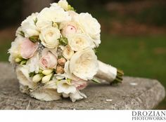 Gorgeous ivory and blush bouquet!  Florist: An Added Touch http://www.anaddedtouchflowers.com/index2.html