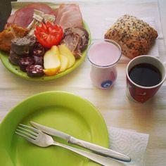 Good morning! Breakfast at Cis'! #Breakfast #ham #cheese #feta #pudding #liversausage #șuncă #cartabpș #sângerete #brânză #micdejun Photo by ioana_cis