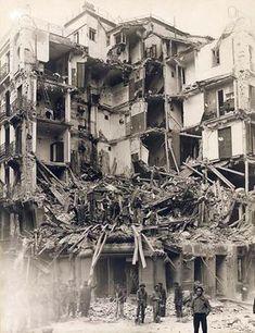 Escenas de Bombardeo en Madrid - Portal Fuenterrebollo Old Photos, Vintage Photos, Bombing Of Guernica, Picasso Guernica, Heroes And Generals, Spanish War, Foto Madrid, Spanish Painters, Wild Nature
