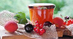 Najlepší džem je domáci. Vyskúšajte nasledujúce recepty - Bio Strava Sugar Free Recipes, Jam Recipes, Canning Recipes, Great Lakes Gelatin, Fruit Jam, Jam And Jelly, Variety Of Fruits, Detox Drinks, No Cook Meals