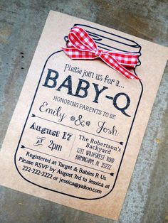 BABY-Q Baby Shower Invitation and Envelopes: Kraft Brown Bag Rustic Gender Reveal Mason Jar Ribbon Bow. Cute idea for baby shower invites Letreros Baby Shower Ideas, Baby Q Shower, Fiesta Baby Shower, Shower Bebe, Baby Shower Gender Reveal, Baby Shower Parties, Baby Shower Barbeque, Baby Shower For Dads, Cute Baby Shower Games