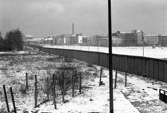 Berlin 1973 Potsdamer Platz mit Brandenburger Tor im Schnee