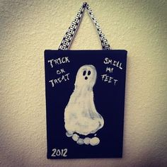 Hanging Halloween Picture.  Creative idea.