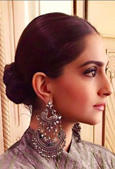 Sonam Kapoor wearing Apala by Sumit. Shop for wedding jewellery, wedding trousseau, designer lehengas, saris and more with Bridelan - A personal shopper & stylist for brides & grooms. Website www.bridelan.com #silverjewellery #silvercuff #bridelan #bridelanindia #indiantrousseau #indianjewellery #shoppinginindia #sonamkapoor