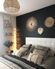 La Foir'Fouille : c'est tous les jours discount ! Bedroom Themes, Bedroom Colors, Home Decor Bedroom, Bedroom Ideas, Tribal Bedroom, Minimalist Bedroom, My New Room, Interior Design, Massage