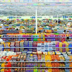 Andreas Gursky - 99 Cent II, Diptyque (2001)