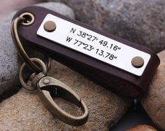 Breedtegraad lengtegraad sleutelhanger Mens GPS door aimeehandmade