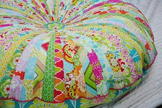"gorgeous floor pillow; supersized (40"" diameter).  tutorial.  must try."